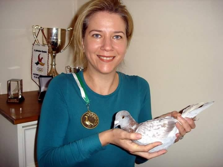 pigeons woman 022