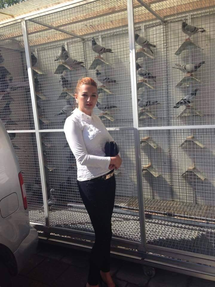 pigeons woman 040