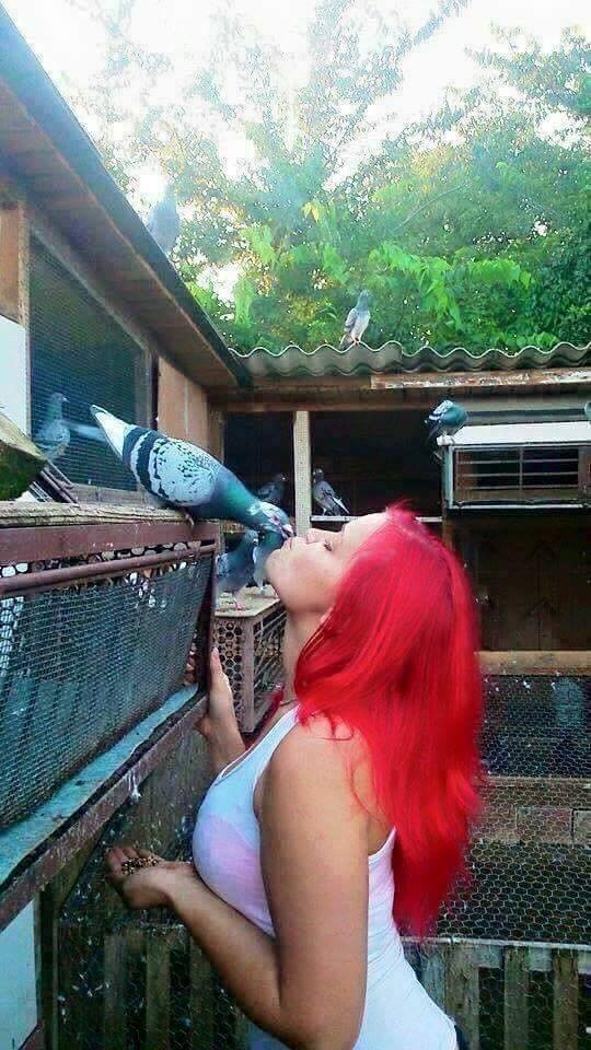 pigeons woman 041