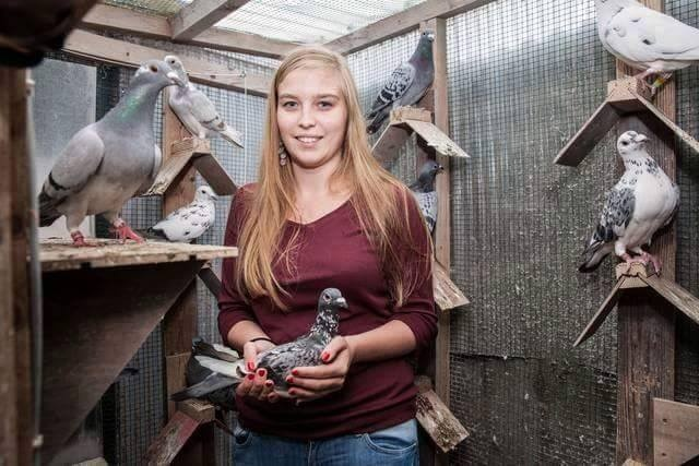 pigeons woman 052