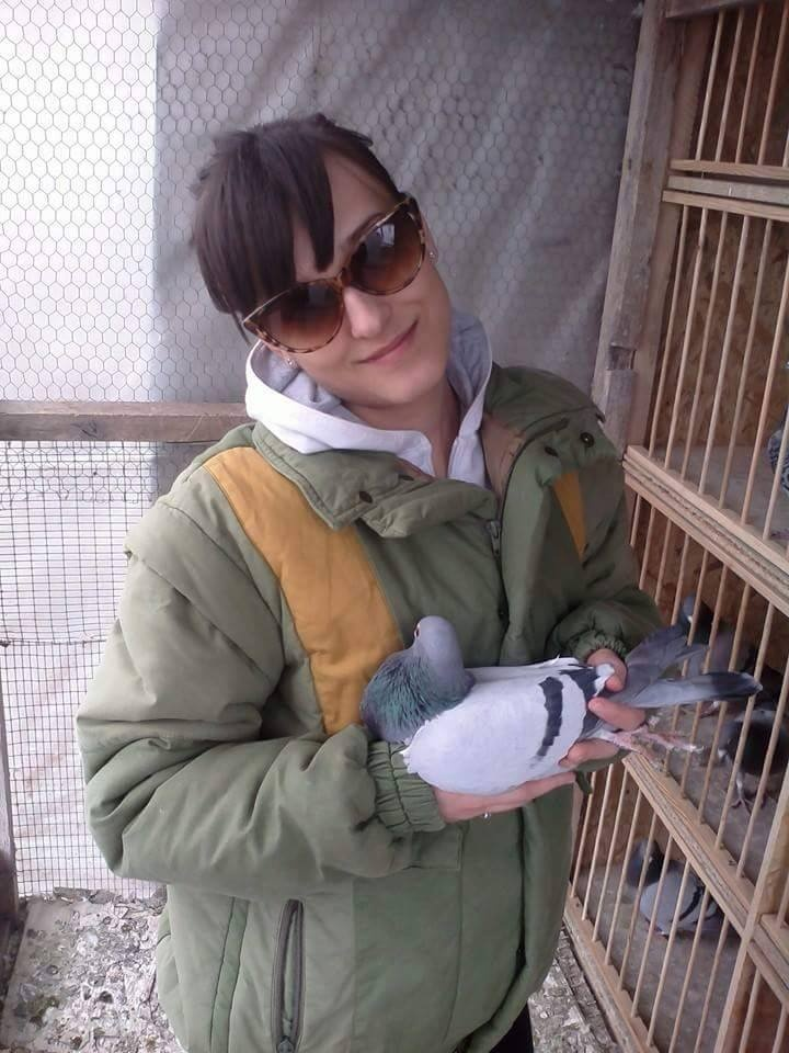 pigeons woman 068