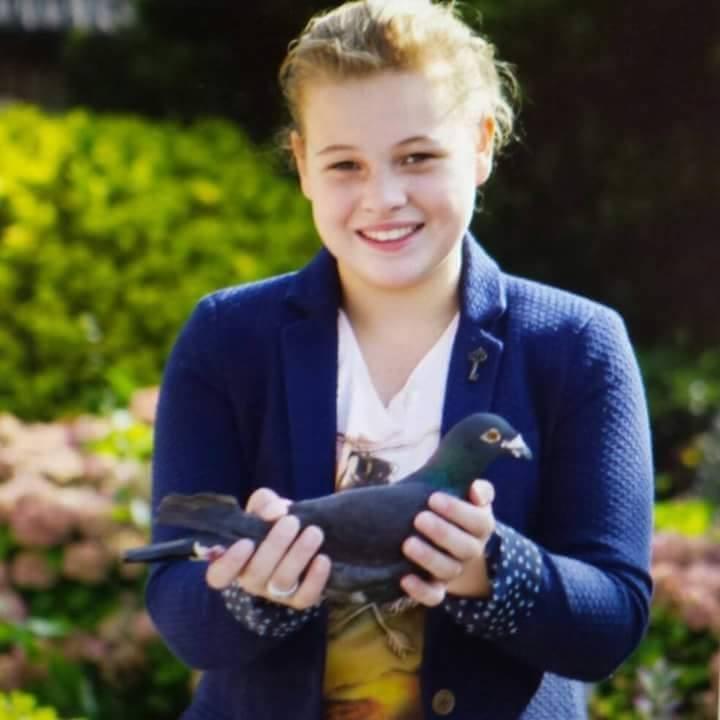 pigeons woman 079