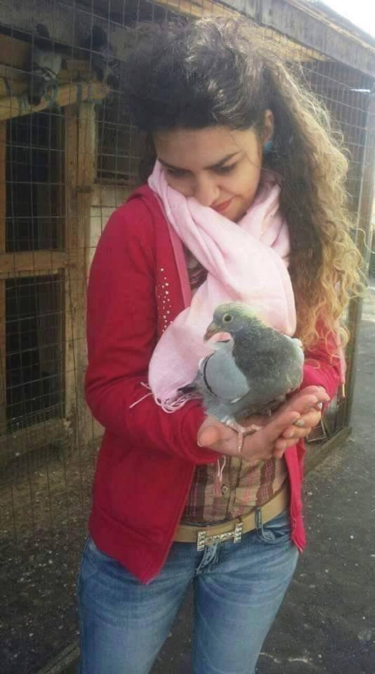 pigeons woman 089