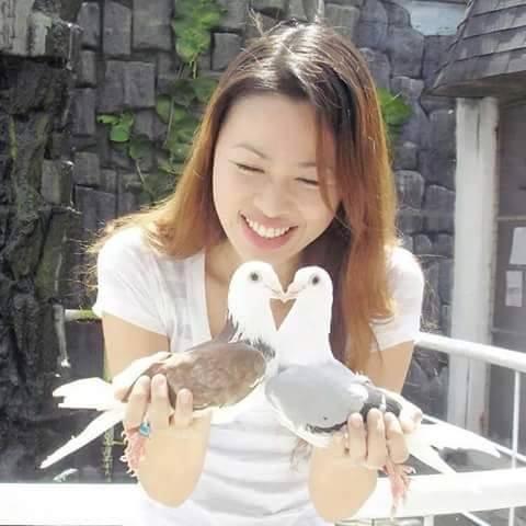 pigeons woman 103