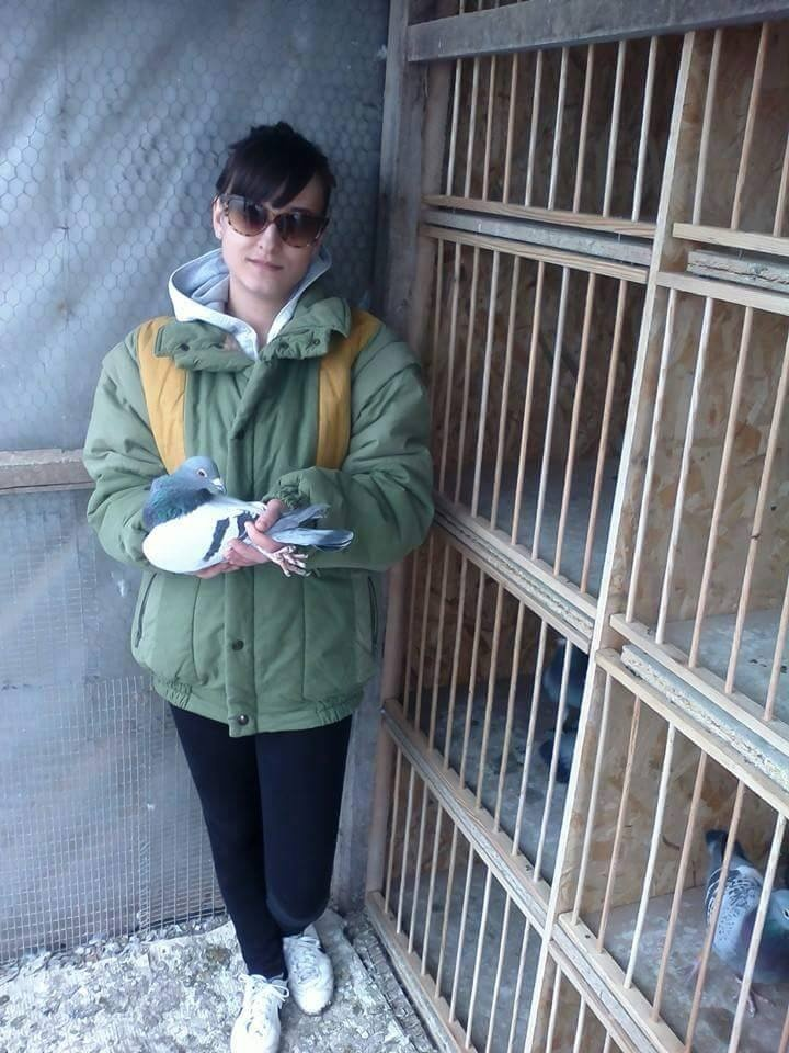 pigeons woman 010