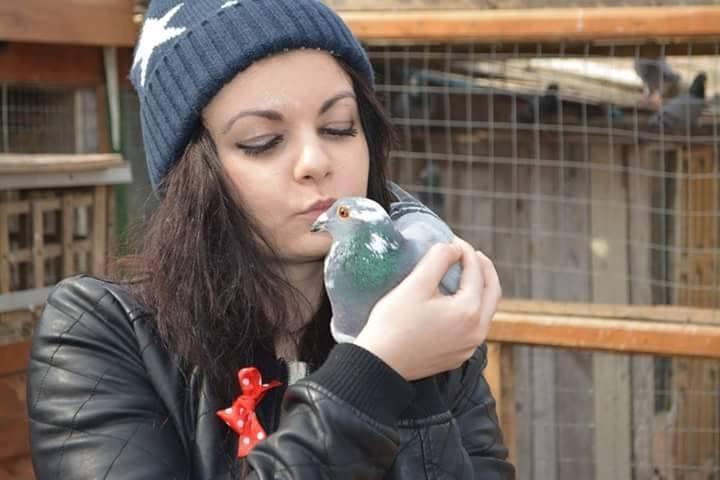 pigeons woman 031