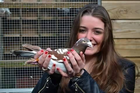 pigeons woman 043