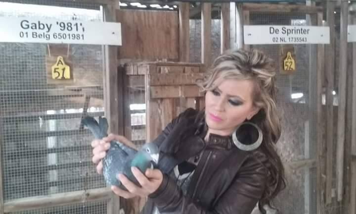 pigeons woman 060