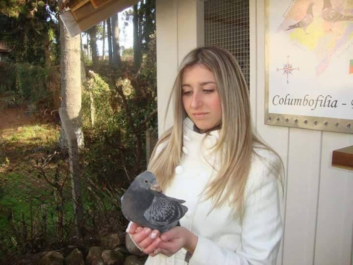 pigeons woman 099