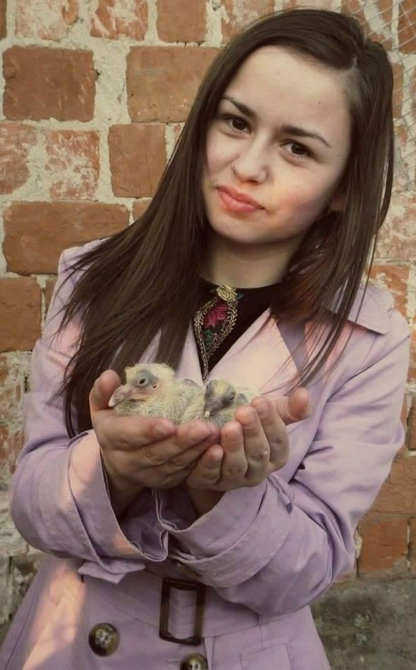 pigeons woman 132