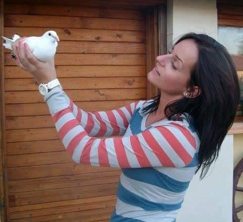 pigeons woman 171